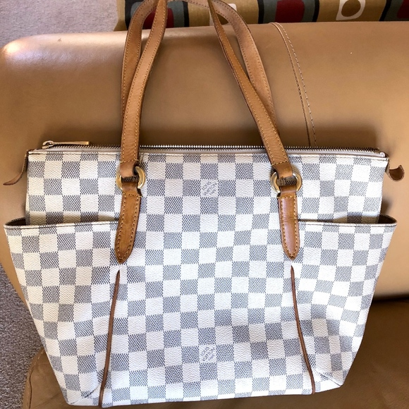 1130fadd21cf Louis Vuitton Handbags - LOUIS VUITTON DAMIER AZUR TOTALLY PM